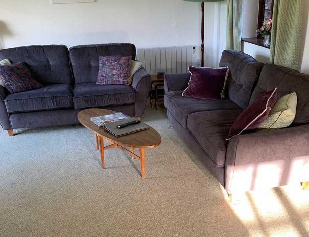 hayloft-living-room2-605x465