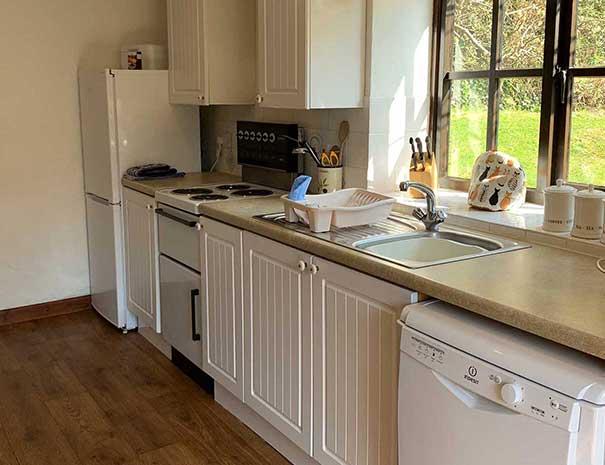kitchen-605x465