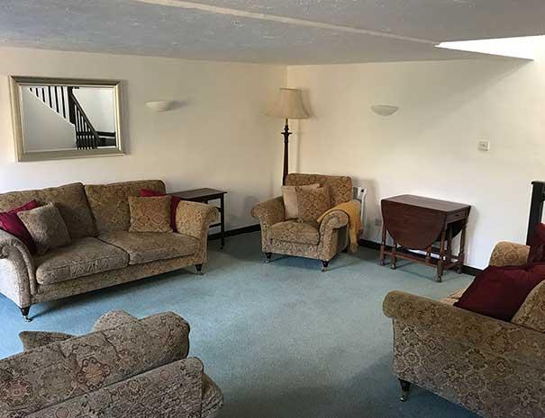 linhay-living-room-605x465