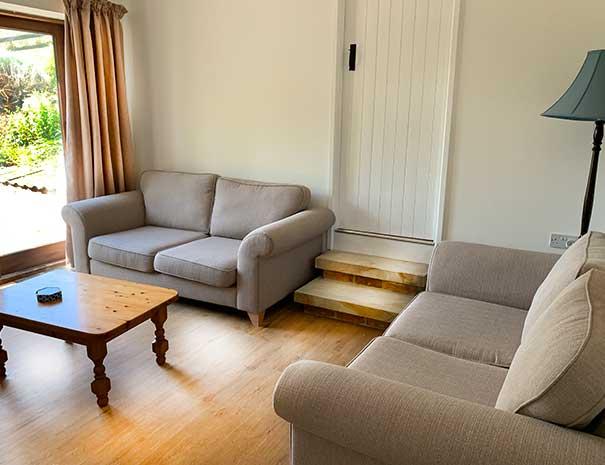 sitting-room-2-605x465