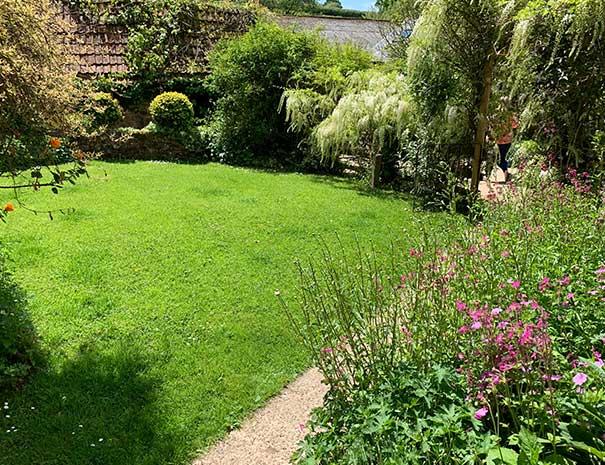 cider-garden-605x465